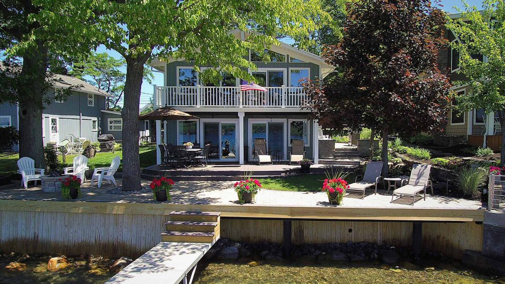 lake effect vacation rental exterior